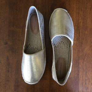 Chic Gold Canvas Espadrille Loafers